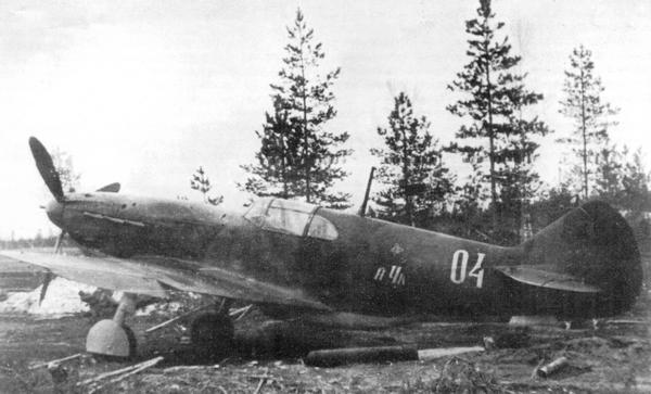 ЛаГГ-3 с пушкой НС-37 во время войсковых испытаний, 21-й иап, Калининский фронт, аэродром Старая Торопа, май 1943г.