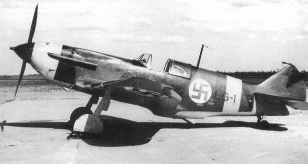 ЛаГГ-3 финских ВВС, эскадрилья LeLv 32, 1943г. Это самолёт 4-й серии завода №21, на котором финский завод VL переделал закрылки.