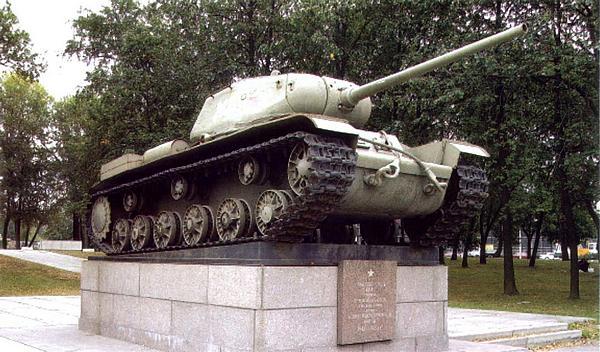 Первый экземпляр танка КВ-85 — ныне памятник в Автово, г. Санкт-Петербург.