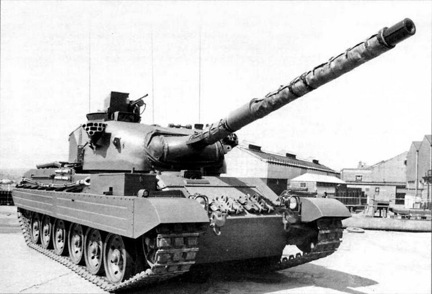 Основной боевой танк «Виккерс» Mk.3 на заводском дворе фирмы в Элсвике