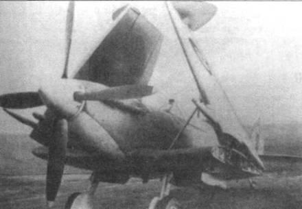 МА970 (первый серийный Mk.llC) в ноябре 1942 года. Самолет уже оснащен складными крыльями.