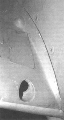 Место фотопулемета в основании правого крыла у Мк. IХ и Mk.XVI.