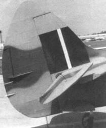 Увеличенный руль направления на самолете Mk.XII, сохранившийся и на самолетах с двигателем «Гриффон».