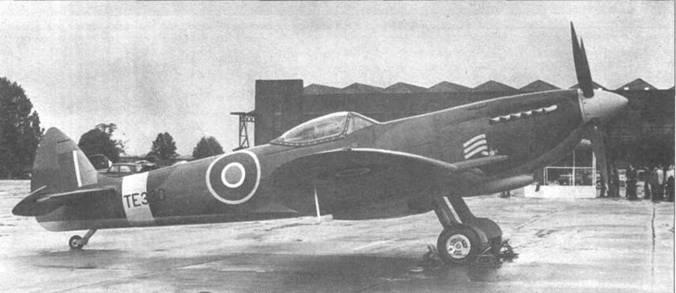 Один из немногих сохранившихся до наших дней «Спитфайров» MkXVI — ТЕ330.