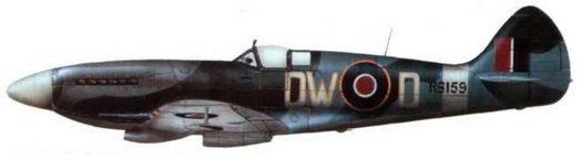 «Спитфайр XIV» (RB159/DW@D). 610-я эскадрилья. Экзетер. апрель 1944 года. На этом самолете летал командир эскадрильи Р. Ньюберри, который приказал обвести литеры бортового кода желтым кантом.