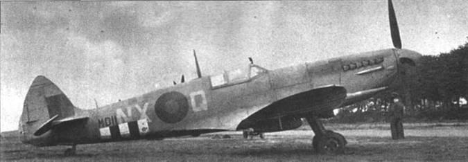 «Спитфайр» Mk VII с серийньм номером MD-100 — самолет 146-й производственной серии. Истребитель принадлежал осенью 1944г. 131-й эскадрильи. «Семерки» стали последними «Спитфайрами», на которых летчики 131-й эскадрильи сражались в небе Европы. В ноябре 1944г. эскадрилью перебросили в Индию.