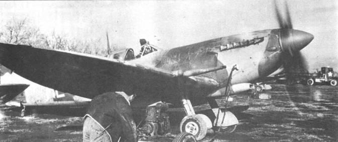 «Спитфайр» HF VIIIc с удлиненным крылом из 308-й эскадрильи. Снимок предположительно сделан в 1944г. в Италии на аэродроме Сан-Северо.