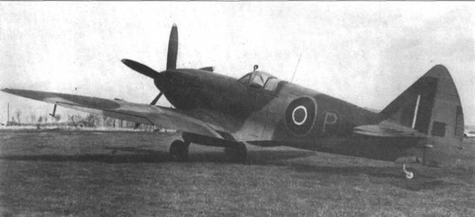 JF319 — еще один прототип Mk.XIV, переделанный из Mk. VIII. Самолет имеет увеличенный киль с прямой передней кромкой.
