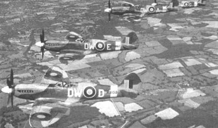 Первой истребители «Спитфайр» Mk XIV получила 6 января 1944г. 610-я эскадрилья (County of Chester). В полете самолеты RB159, RB167, RBG150 и RB156. Самолет с серийным номером позже был передан ВВС Бельгии, где получил серийный номер SG68.