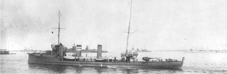 """""""Забайкалец"""" встречает линейные крейсера Англии."""