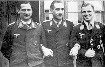 Первые три кавалера Рыцарского Креста из JG 26 (слева направо): Шепфель, Галланд и Мюнхеберг