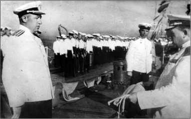 Церемония вручение краснознаменного флага линкору «Севастополь».