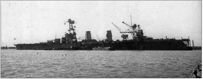 «Красный Кавказ» в плавучем доке во время ремонта в Поти, 1942г.