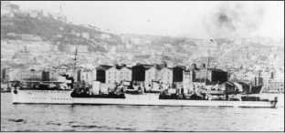 Эсминец «Петровский» (будущий «Железняков») во время визита в Неаполь.