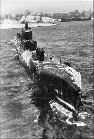 Подводная лодка «К-52» в Хельсинки, 1945г.