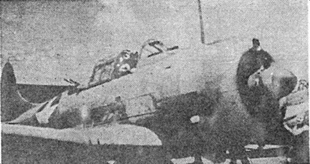 Бомбардировщики «Dauntless» взлетают с «Yorktown» для атаки японского соединения