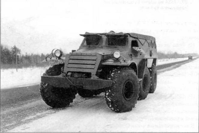 Опытный образец бронетранспортера БТР-Э152В с равным расположением осей. Управляемыми были колеса переднего и среднего мостов