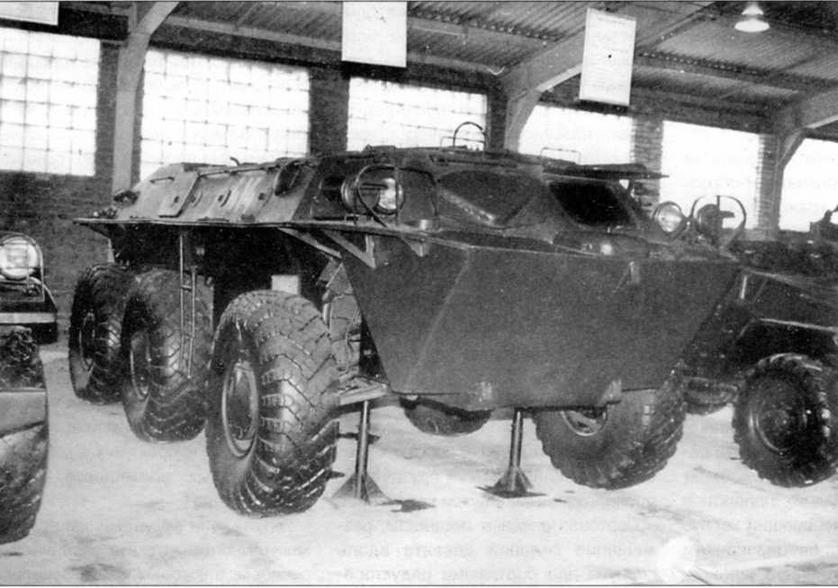 Опытный образец бронетранспортера ЗИЛ-153 в экспозиции Военноисторического музея бронетанкового вооружения и техники в Кубинке