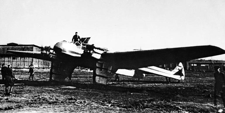 Самолет Г-37 после перелета в
