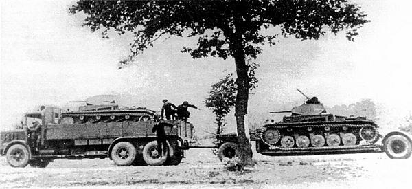 Для перевозки Pz.II использовались автомобили Faun и двухосные прицепы.