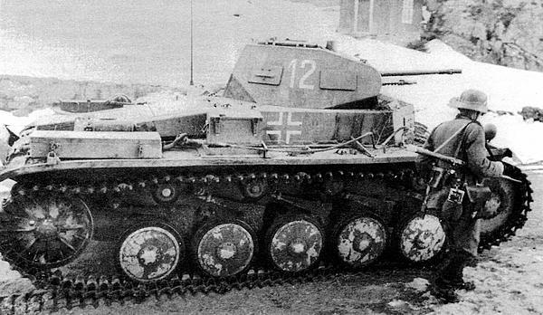 Один из Pz.II 3-й роты 40-го батальона специального назначения. Норвегия, апрель 1940 года.