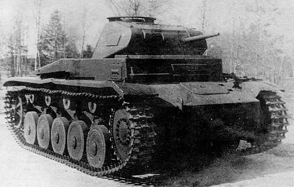 Pz.II Ausf.F во время испытаний на НИБТполигоне в Кубинке. 1944 год.