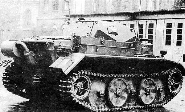 Прототип лёгкого разведывательного танка Pz.II Ausf.L Luchs. 1942 год.