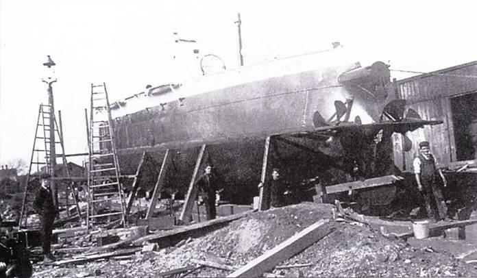 Protector перед спуском пи воду (1902г.).