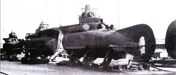 Подводные лодки «тип СВ» в Таренто.