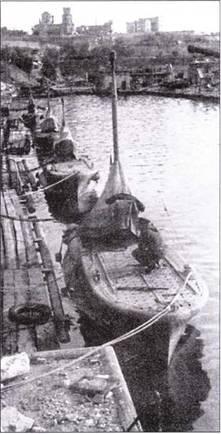 Итальянские миниатюрные подводные лодки «тип СВ» в Севастополе.