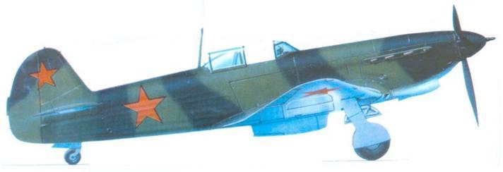 Як-7Т в заводском камуфляже перед отправкой на фронт.