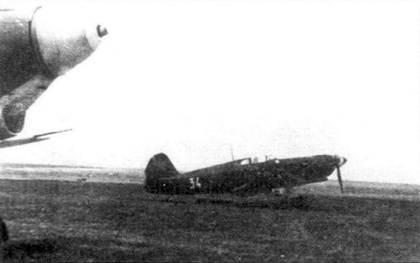 Як-1 на аэродроме перед стартом.