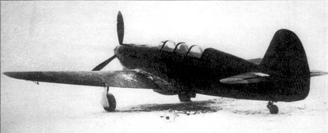 Як-7 УТИ, обратите внимание на убирающееся шасси и рубку Пито установленную под левым крылом.