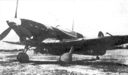 Як-7Б с необычно окрашенным коком винта.