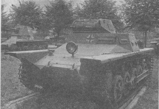 Плавающий вариант танка Pz.I Ausf.B на выставке трофейной техники в ЦПКиО имени Горького. Москва, 1945 год.