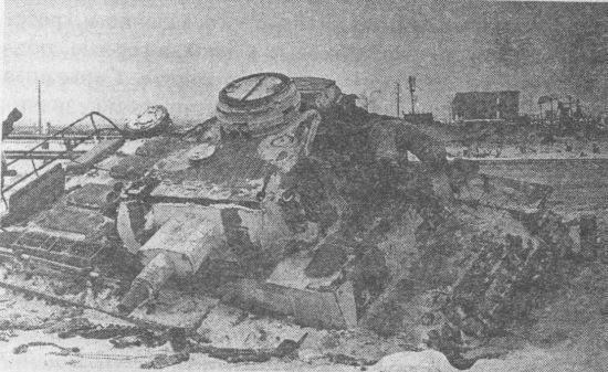 Pz.III Ausf.N, подбитый советской артиллерией в районе Синявино. Зима 1943 года.