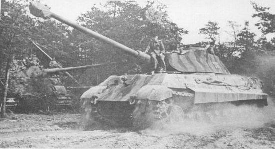 «Королевский тигр» из 2-й роты 503-го тяжёлого танкового батальона. Франция, лето 1944 года.