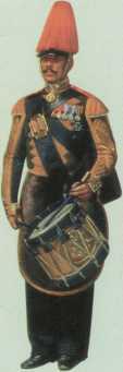 Экипажный барабанщик Гвардейского экипажа. Фрагмент картины А.И. Гебенса. 1853г. (ВИМАИВиВС). Награды заслуженного ветерана свидетельствуют, что он участвовал в походах 1812–1814гг., в том числе в Кульмской битве, а также в русско-турецкой войне 1828–1829гг.