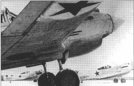 Самолет Ридного АН965 в зимнем камуфляже. Фото сделано в январе 1942 года.
