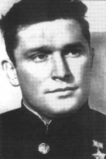 Официальный портрет Бориса Сафонова, сделанный вскоре после получения Первого Героя 16 сентября 1941 года.