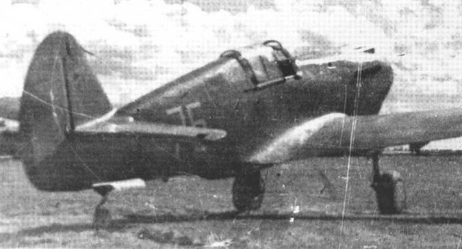 Летом 1942 года 154 ИАП все еще эксплуатировал наравне с «Киттихауками» небольшое количество «Томагауков».