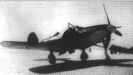 Одна из первых «Аэрокобр», попавших в СССР. Самолет использовался в 22 ЗАП, около Иваново для переучивания строевых летчиков в начале 1942 года.