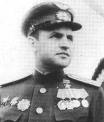 Командир 26-го ГвИАП подполковник Василий Мациевич.