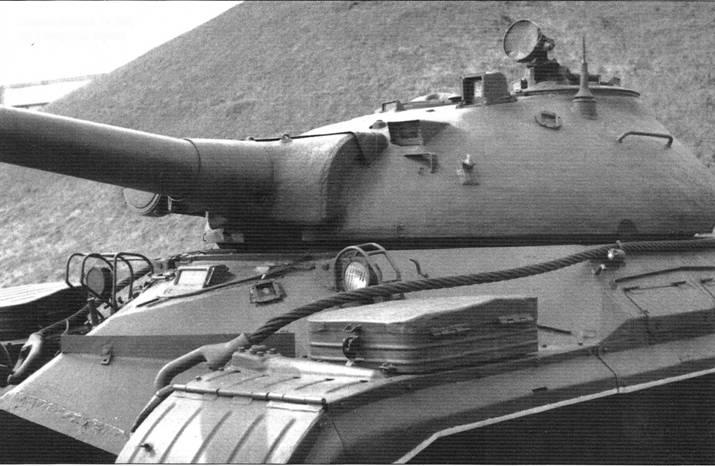 Башня танка Т-10М, вид спереди слева
