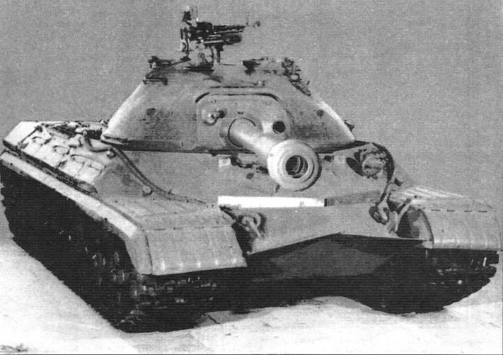 Вверху: Танк Т-10 в Военно-историческом музее бронетанкового вооружения в Кубинке