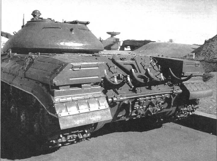 Корпус танка Т-10М. Вид кормовой части
