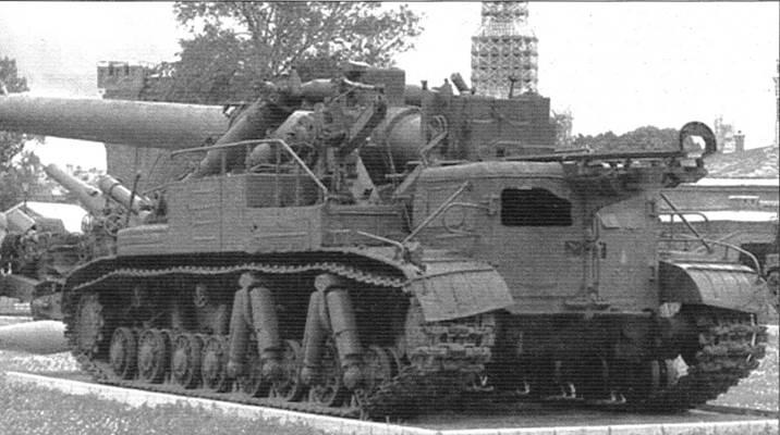 Самоходный 420-мм миномёт «Ока» («объект 273») в Музее Вооружённых Сил в Москве