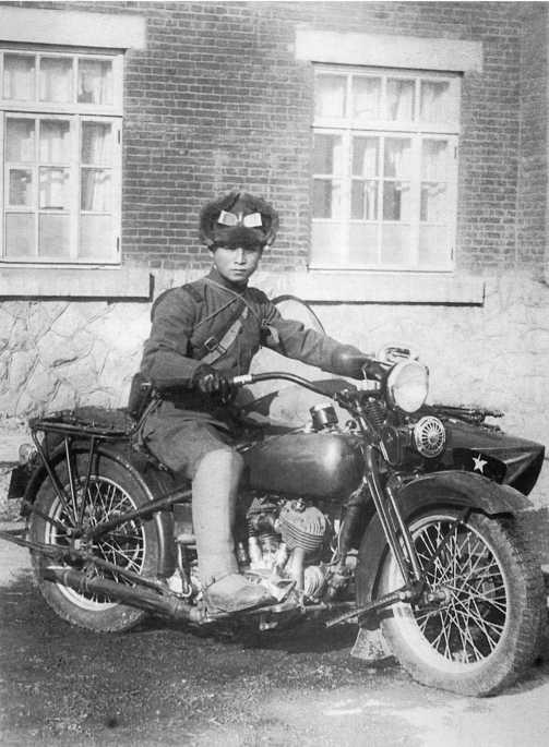 Японский офицер на мотоцикле Тип 93. Маньчжурия, 1938 год (АСКМ).