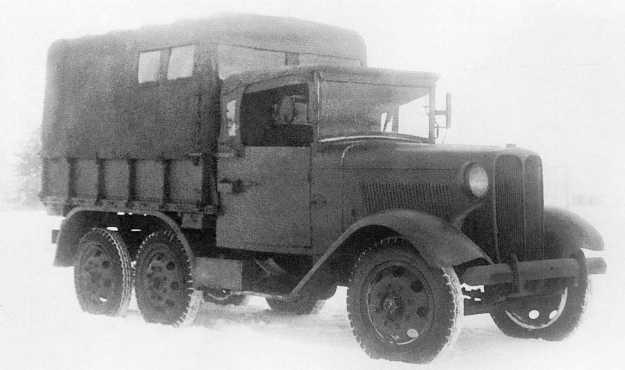 Трофейная японская танкоремонтная мастерская на базе трехосного грузовика Тип 94 во время испытаний в подмосковной Кубинке. Зима 1939 года. Машина была захвачена в боях на Халхин-Голе, фара с правой стороны отсутствует (РГВА).