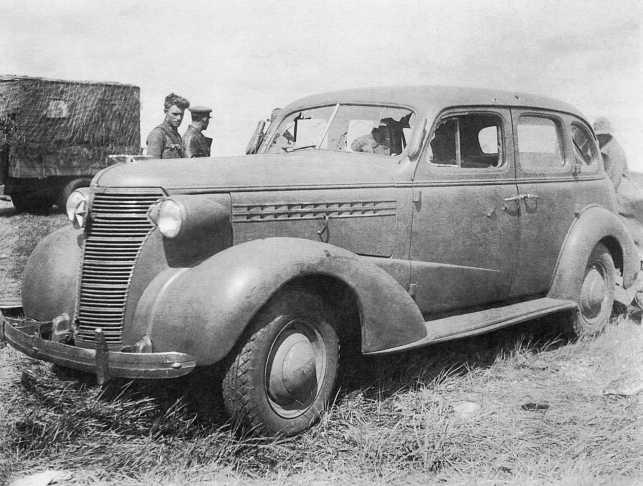 Легковой автомобиль Chevrolet 1938 года модель Master series НА (американского производства), который использовался в частях японской 23-й пехотной дивизии в качестве штабного. Машина была захвачена в боях 20–31 августа 1939 года (АСКМ)